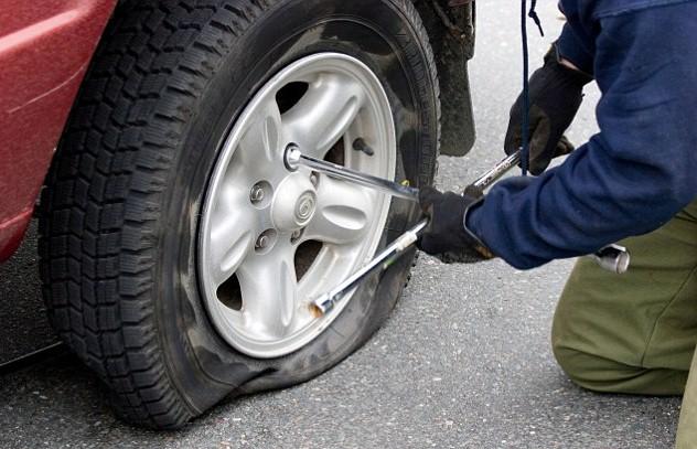 Vá lốp ô tô lưu động giá rẻ